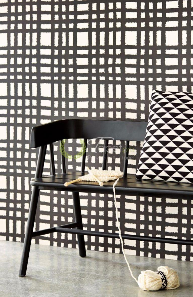 Tapet geometrizat din hartie pe fundal alb cu dungi orizontale si verticale negre.
