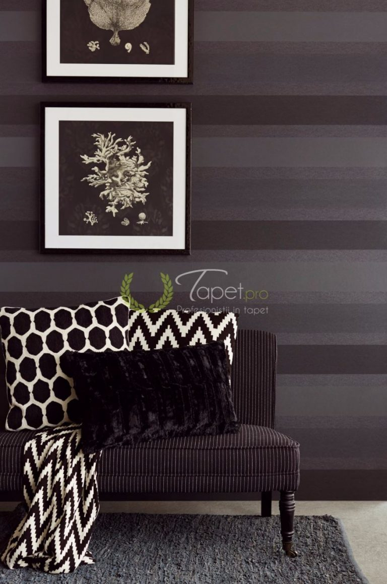 Tapet clasic cu dungi orizontale elegante in nuante de bej si gri.