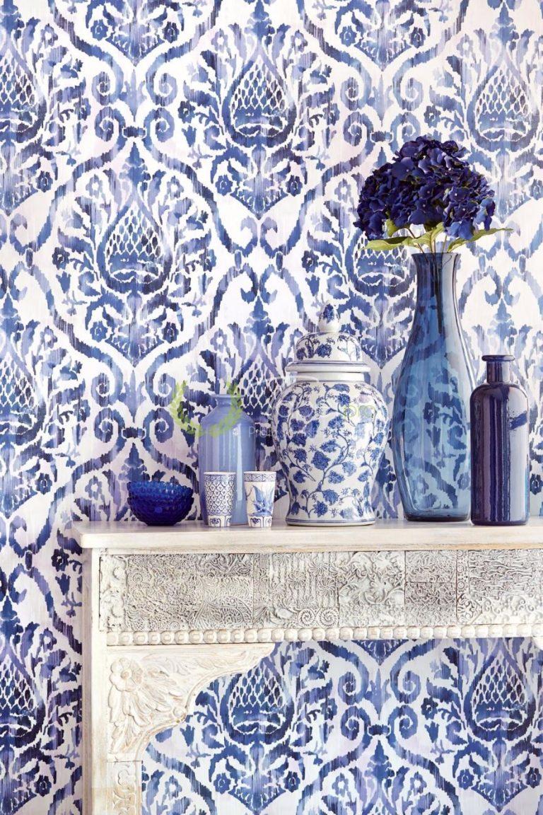Tapet clasic elegant cu elemente decorative nuanta bleumarin.