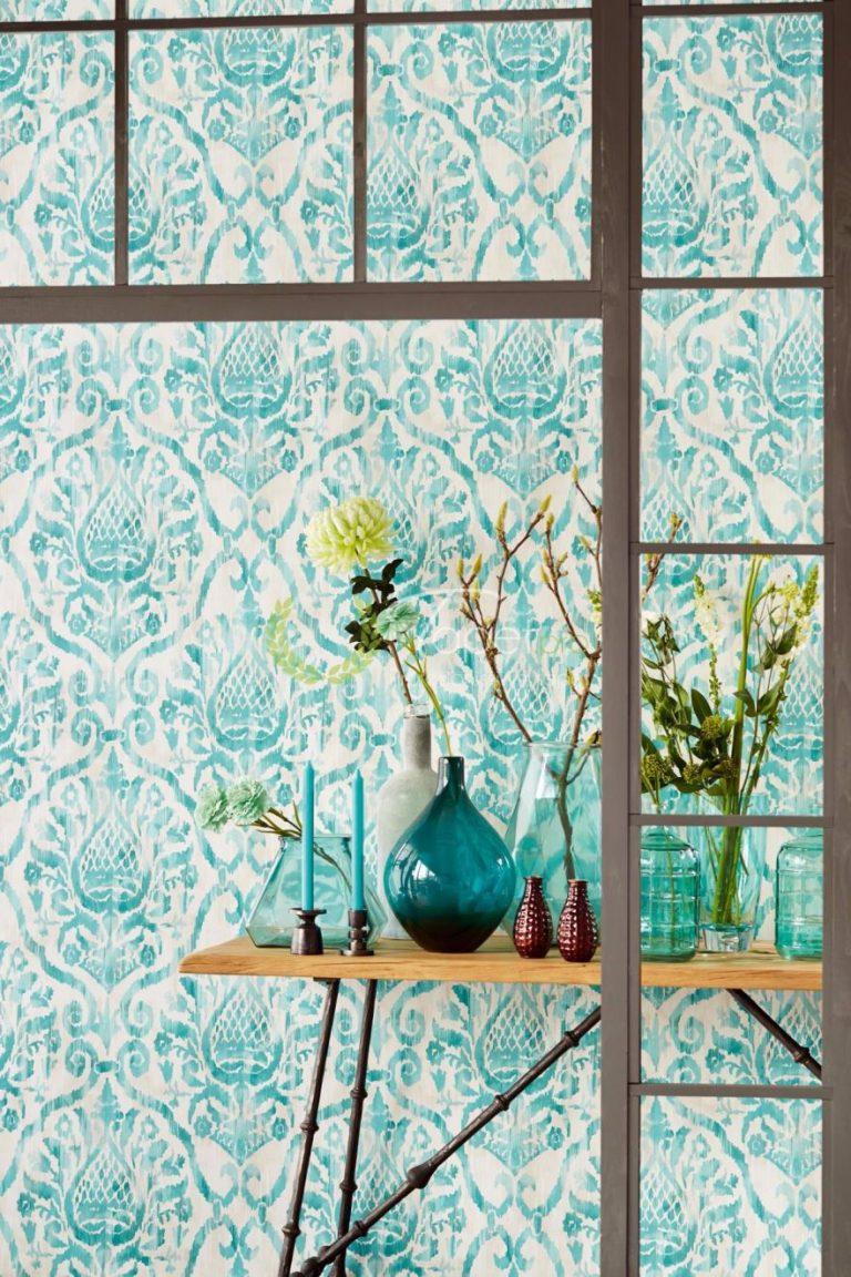 Tapet clasic elegant cu elemente decorative nuanta turcoaz cu alb.