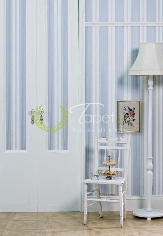 Tapet modern cu linii dispuse vertical in nuante de albastru.