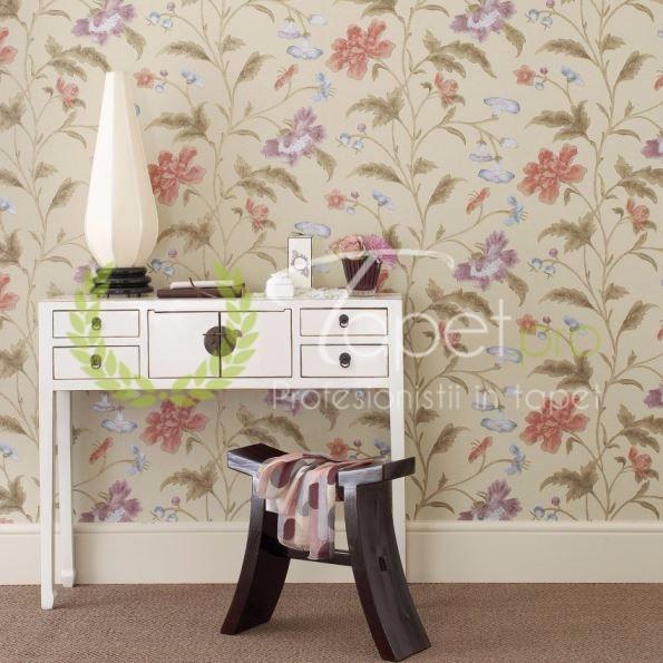 Tapet clasic fundal crem cu pattern floral.